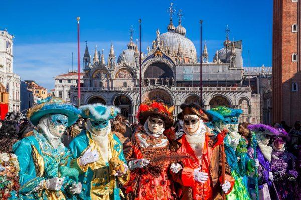 جشن کارناوال چیست و در کدام شهرها برگزار میشود؟